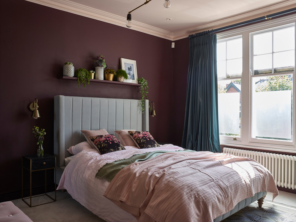 Inspiration for a mid-sized scandinavian carpeted and gray floor bedroom remodel in London with purple walls