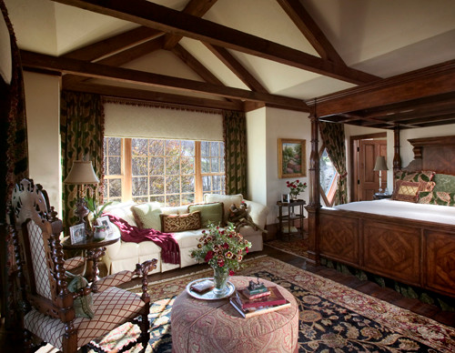 The home of Dianne Davant traditional-bedroom