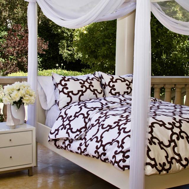 The Noe Plum Duvet Set contemporary-bedroom