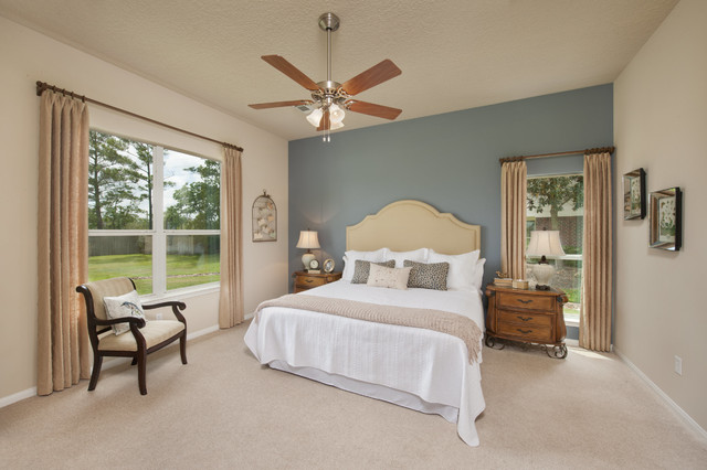 The Nueces traditional-bedroom