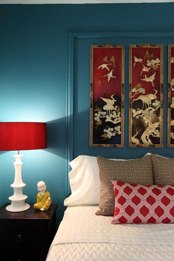 Zen bedroom photo in Los Angeles with blue walls