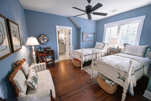 the waterside cottage arts and crafts bedroom