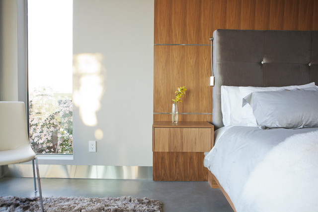 The Wave House modern-bedroom