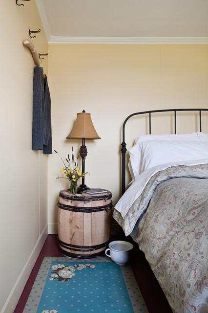 Thomas Mouland House Bonavista Newfoundland traditional-bedroom