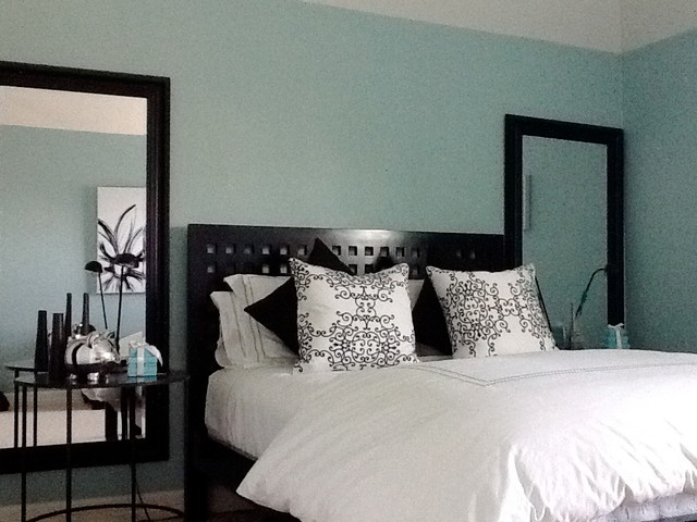 tiffany bed room young adult contemporary bedroom austin by maria colorado interiors. Black Bedroom Furniture Sets. Home Design Ideas