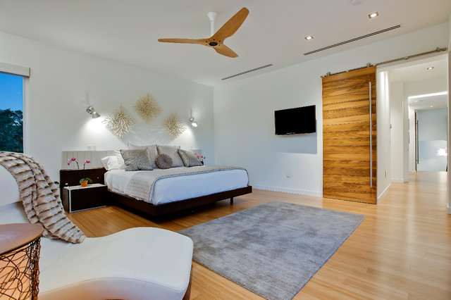 TipTopHaus contemporary-bedroom