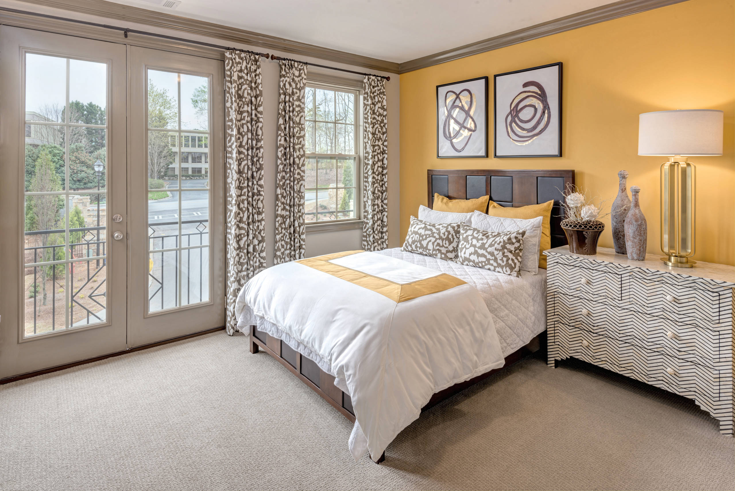 75 Beautiful Guest Bedroom With Yellow Walls Pictures Ideas February 2021 Houzz