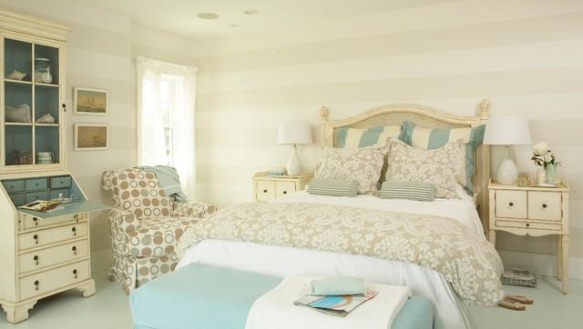 Tracey Rapisardi Design beach-style-bedroom