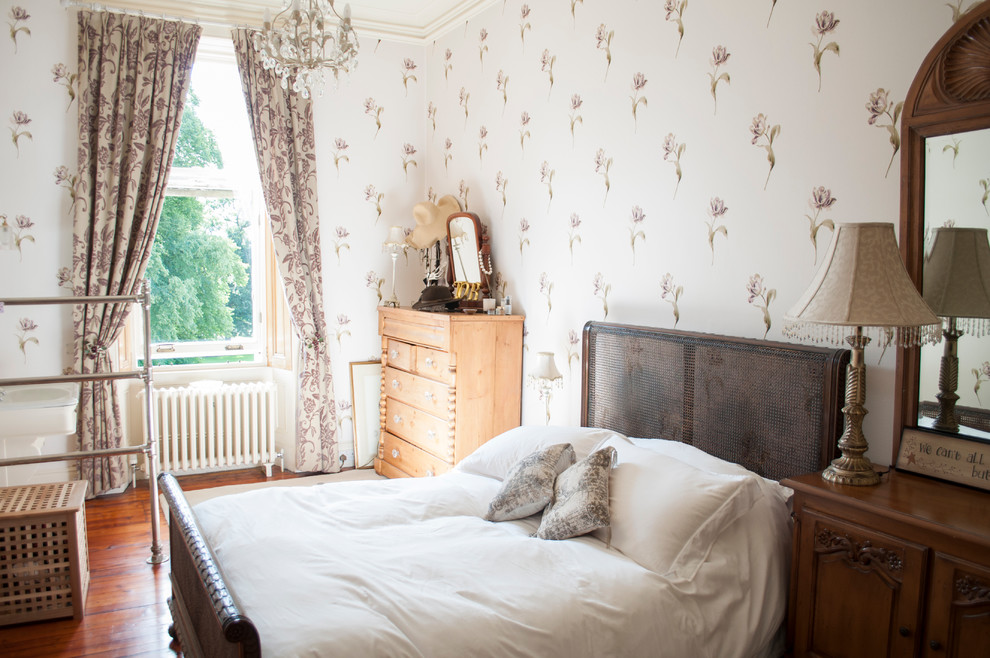 Traditional bedroom in Glasgow.