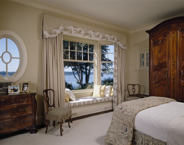 inspiration for a timeless bedroom remodel in seattle with beige walls