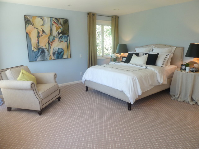 Good Example Of A Classic Carpeted Bedroom Design In San Francisco With Blue  Walls