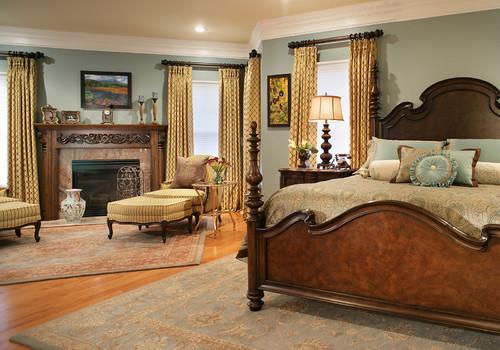 викторианская с деревянной кроватью