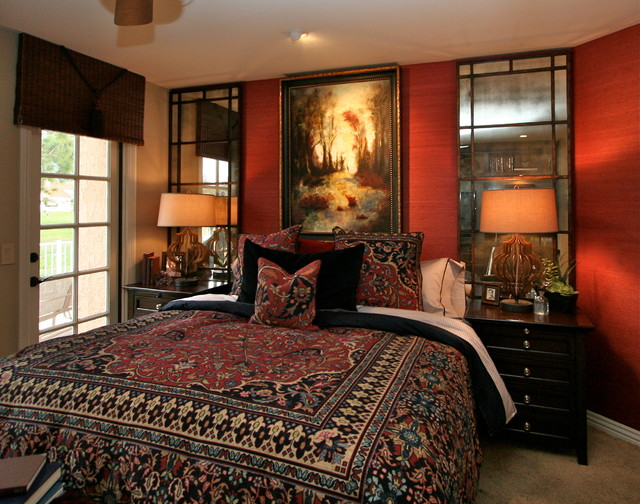 Inspiration For A Traditional Bedroom In San Diego.