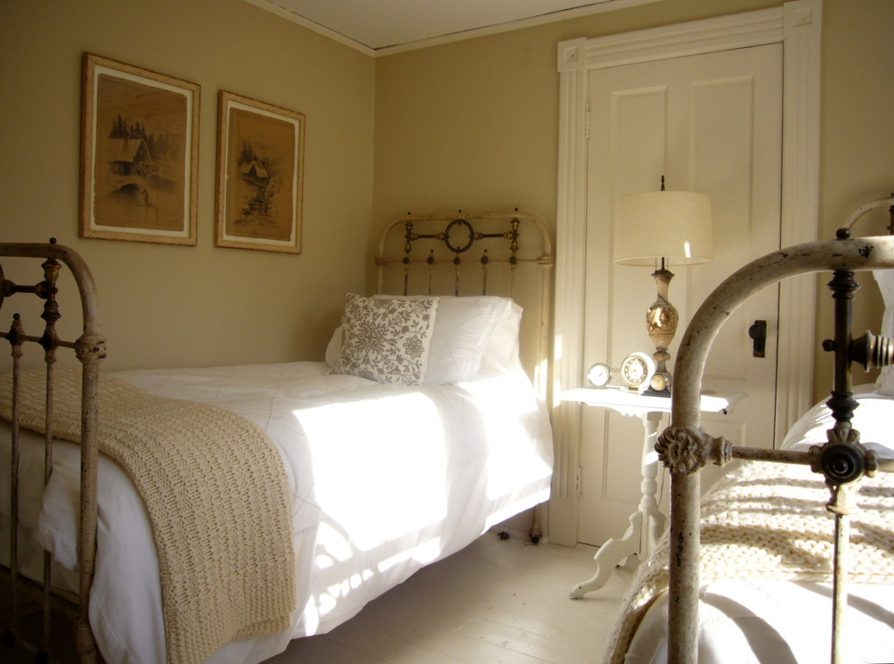 Inspiration for a timeless guest bedroom remodel in New York with beige walls