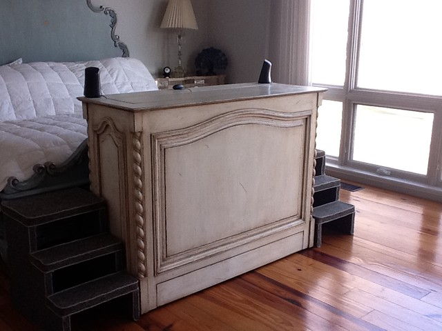 Traditional end of bed furniture with hidden TV inside - Traditional - Bedroom - miami - by TV ...