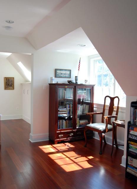 Example of a classic bedroom design in Philadelphia