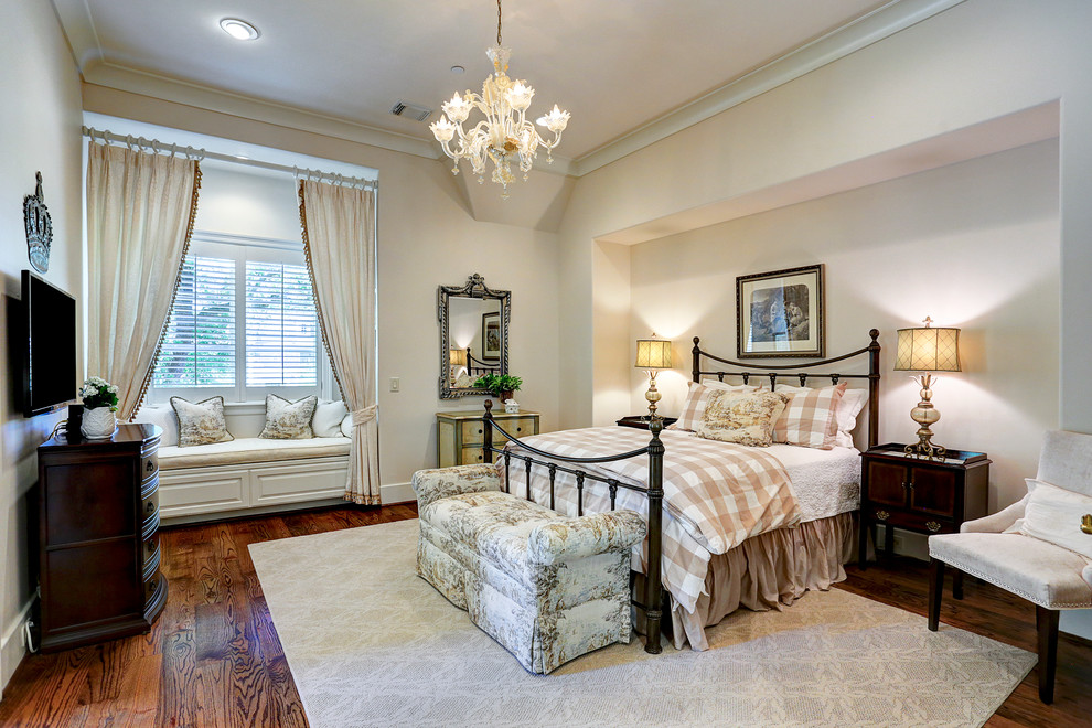 Inspiration for a timeless bedroom remodel in Houston