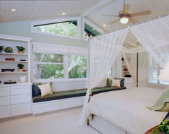 Trans-Pacific Design tropical-bedroom