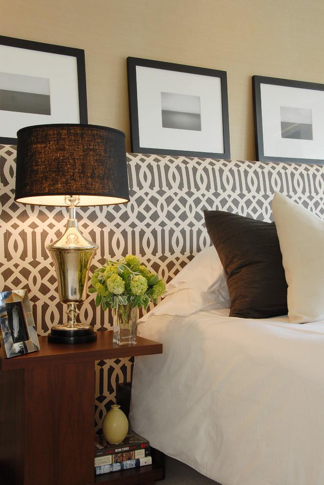 Bedroom - transitional bedroom idea in Los Angeles with beige walls