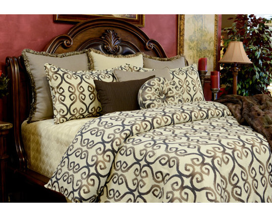 Bedding 2013 - TRAVIS: Chocolate scroll pattern on Oatmeal fabric with an assortment of Taupe highlights. The brushed fringe is mixed with colors of Coffee and Taupe giving this set a fun finished look.