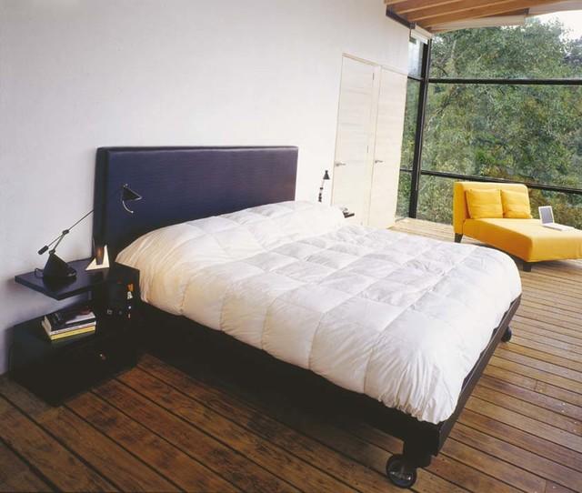 TRAYECTORIA contemporary-bedroom