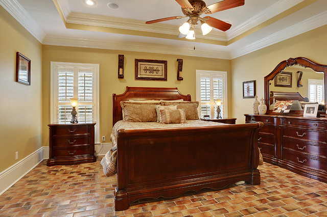 Tregre Home traditional-bedroom