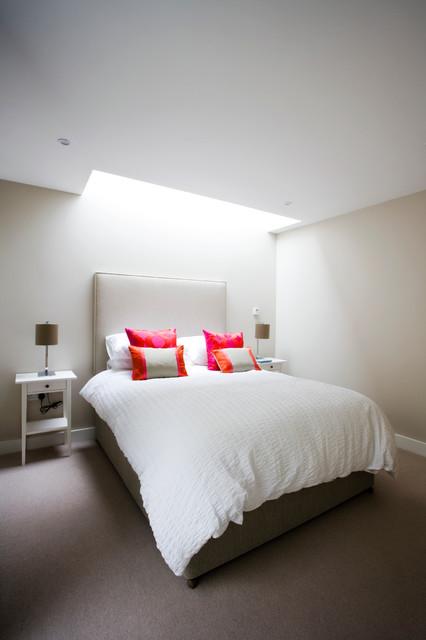 Trim contemporary-bedroom