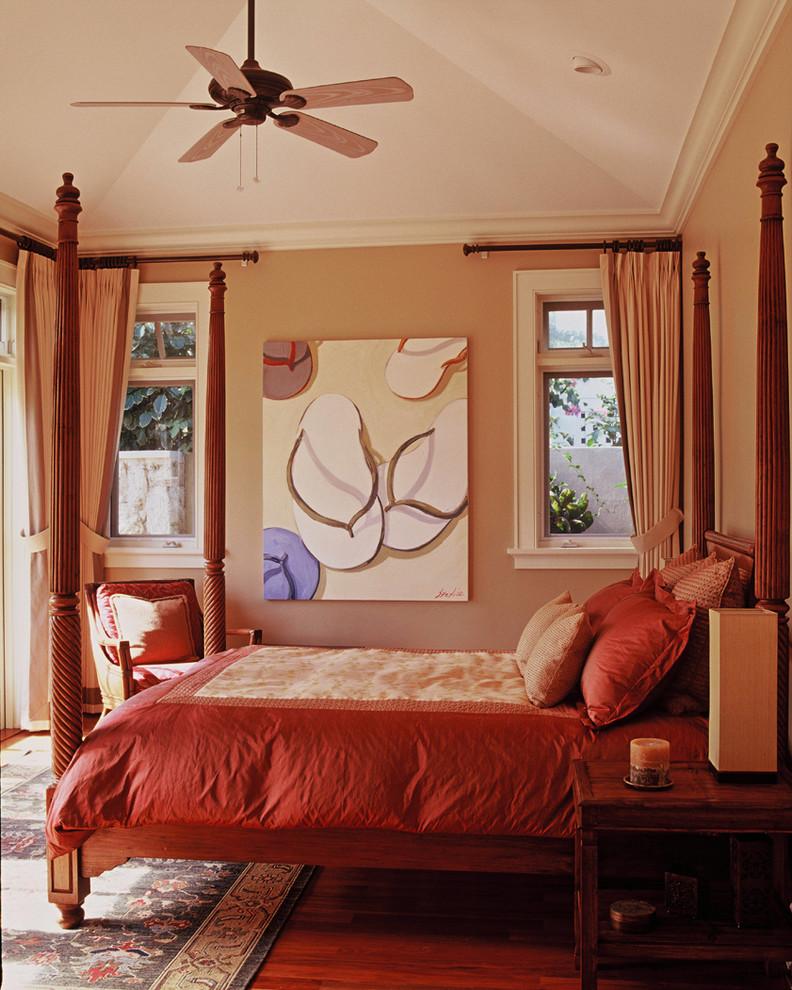 Island style bedroom photo in Hawaii with beige walls