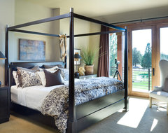 True Residence rustic-bedroom