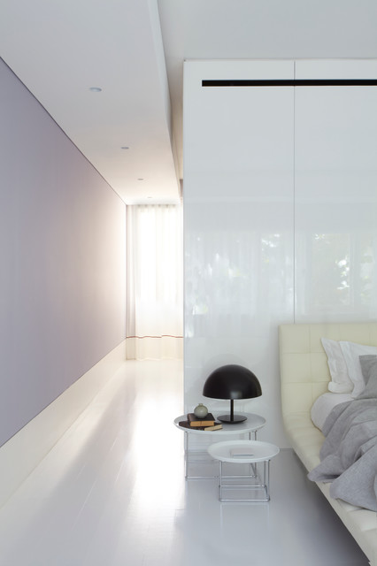 Tusculum Residence modern-bedroom