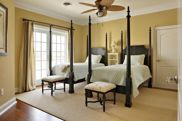 Twin Bedroom traditional-bedroom