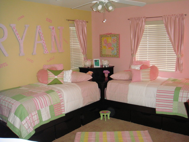 Twin girls bedroom ideas photograph twin girls room mode for Twin girls bedroom ideas
