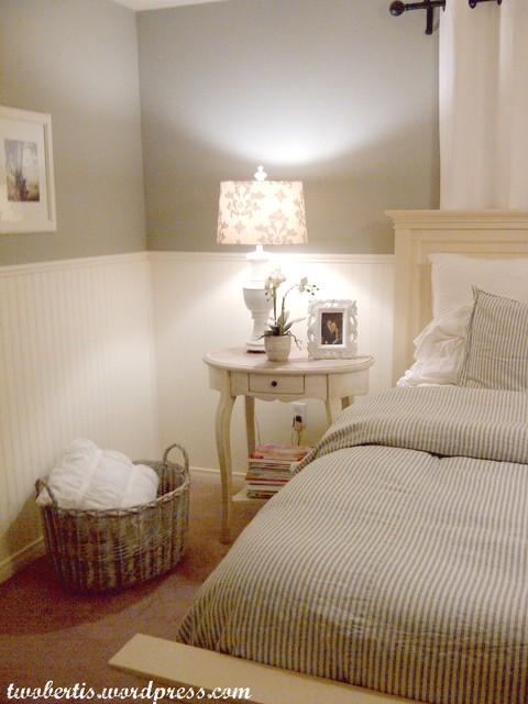 Two Bertis traditional-bedroom