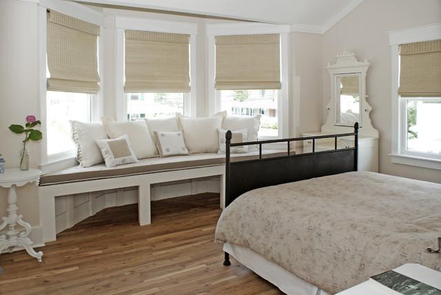 Bedroom - beach style guest medium tone wood floor bedroom idea in DC Metro