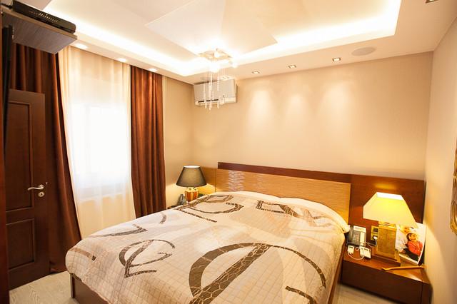 Vasiliki Pantou eclectic-bedroom