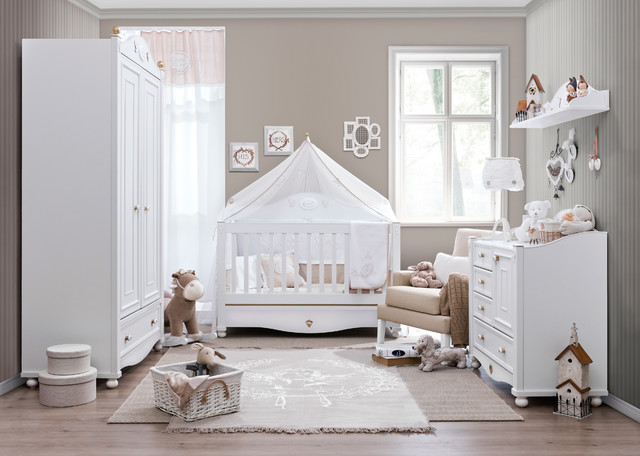 Exceptionnel Victorian Baby Traditional Bedroom