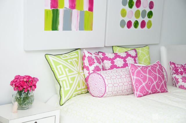 Vignettes contemporary-bedroom