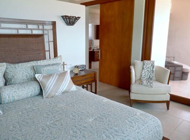 Villa Indigo, Laura, my reviewer's home tropical-bedroom