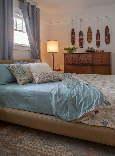 Vintage Bungalow Mid Century Modern Bedroom By Kimball Starr Interior Design