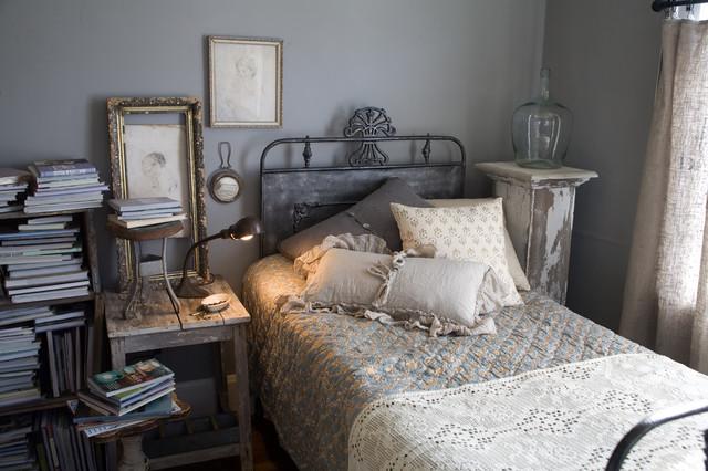 Vintage guest bedroom for Vintage eclectic bedroom
