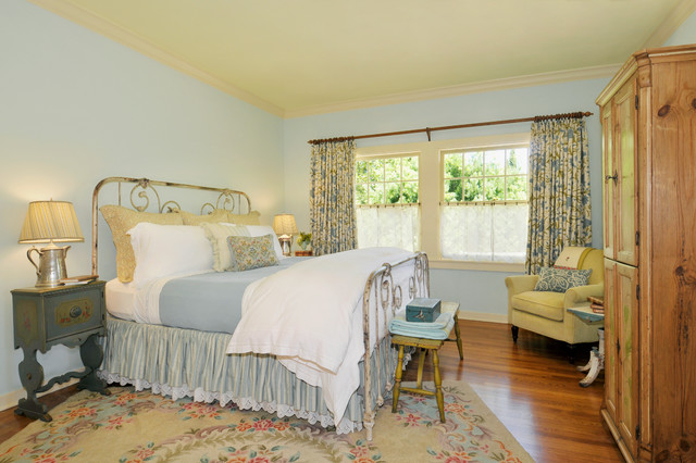 Walnut Creek Farmhouse Farmhouse Bedroom San Francisco By Adeeni Design Group