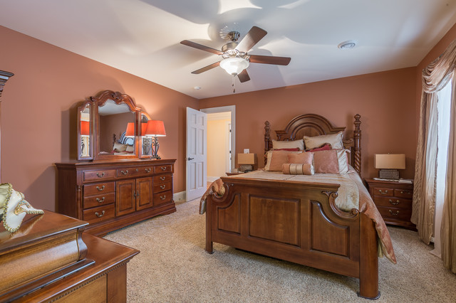 Waterfront For At 1 200 000 8211 Lake S Blvd Mentor Ohio 44060 Traditional Bedroom Cleveland
