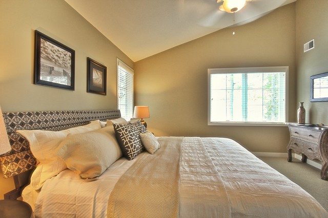 Waukeena beach-style-bedroom