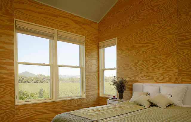 Farmhouse Bedroom by Nick Noyes Architecture