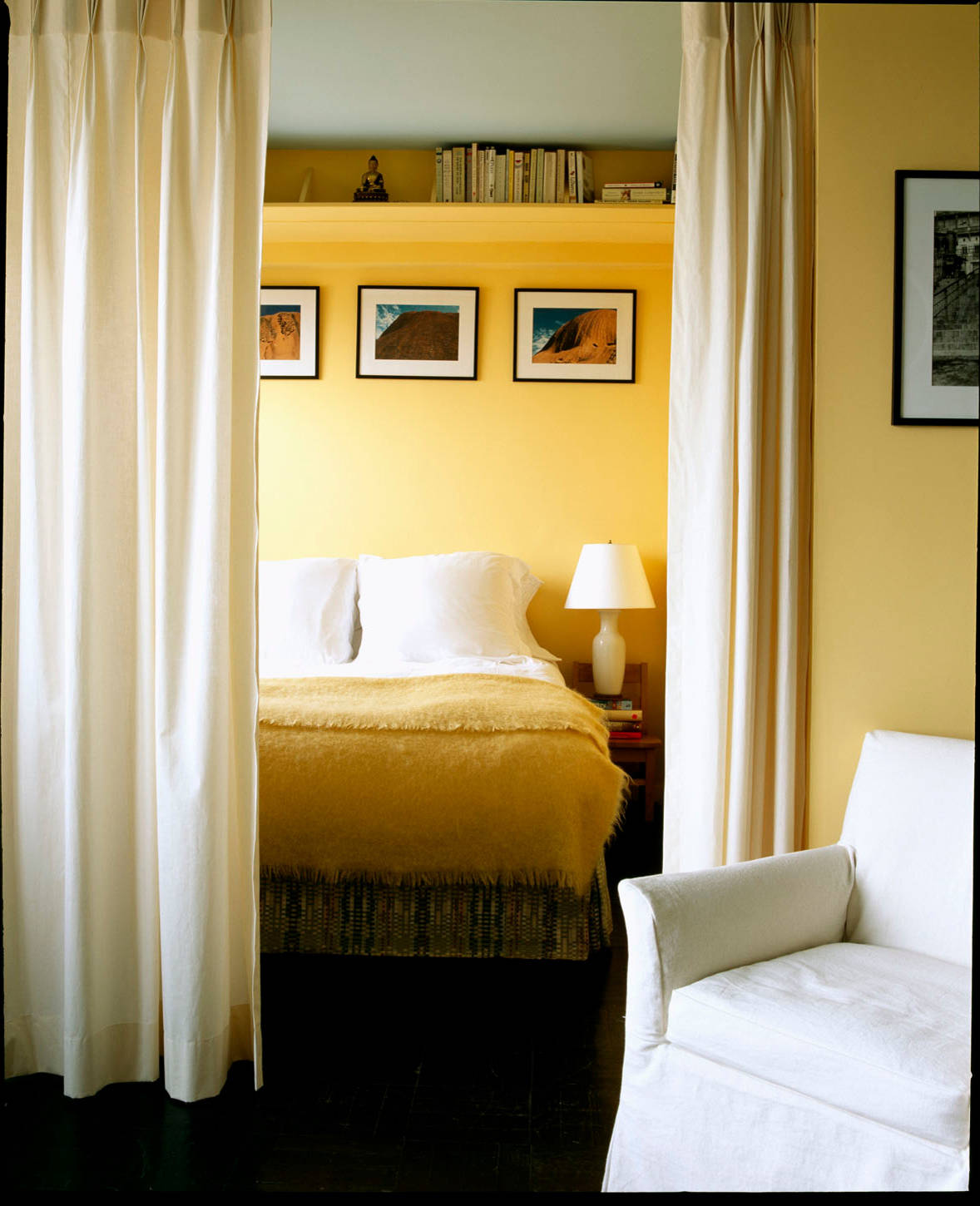 75 Beautiful Bedroom With Yellow Walls Pictures Ideas November 2020 Houzz