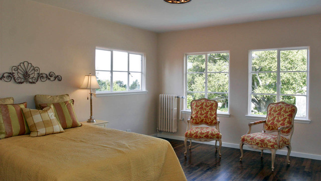 Example of a classic bedroom design in San Francisco