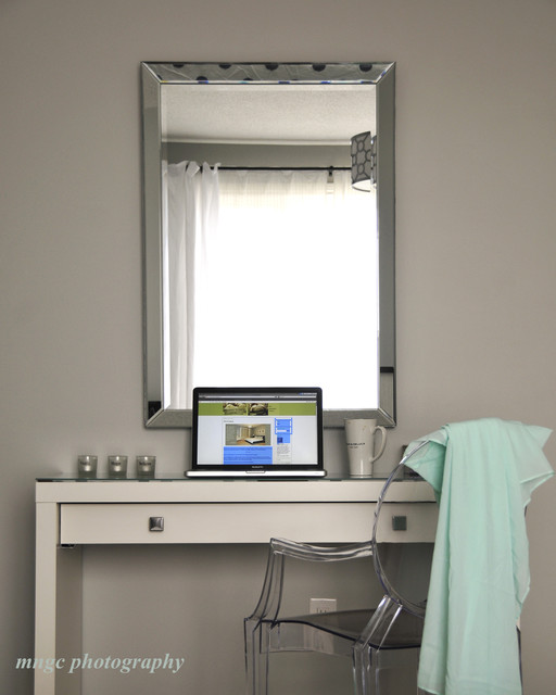 White Dressing table contemporary-bedroom