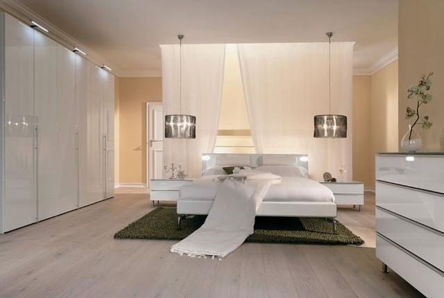 White minimalist bedroom modern-bedroom