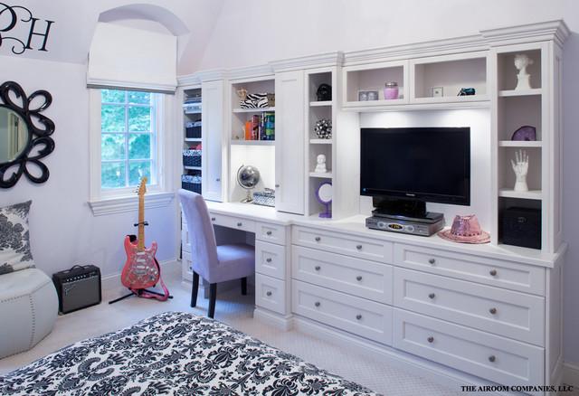 Winnetka Home Renovation traditional-bedroom