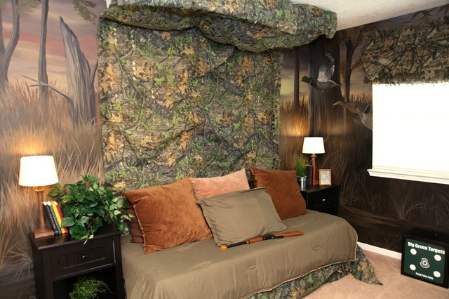 How to decorate a boys room in a hunting realtree camo for Camo bedroom designs
